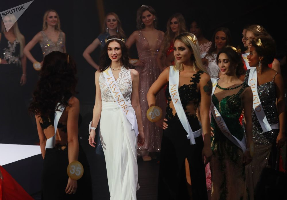 Участницы финала международного конкурса Miss Fashion 2019 – GODDESS OF THE UNIVERSE в концертном зале Vegas City Hall в Москве